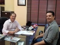 Banrisul firma convênio com a Prefeitura de Riozinho para comercialização do cartão de crédito Servidor Público