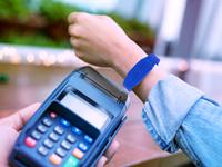 Banrisul lança pulseira de pagamentos por aproximação